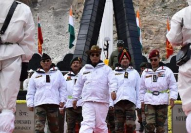 Rajnath visits Siachen to Salutes the Soldiers for their courage